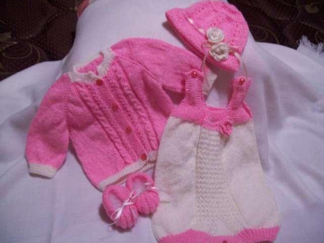 Creaciones tejidas para bebes y adultos