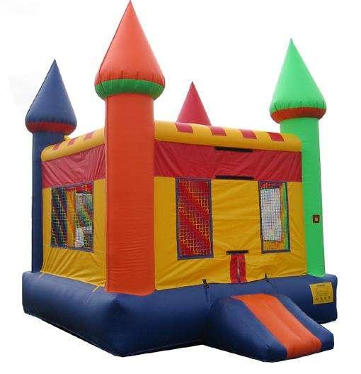 Venta de casa de brinco 13 x13 en forma de castillo de colores
